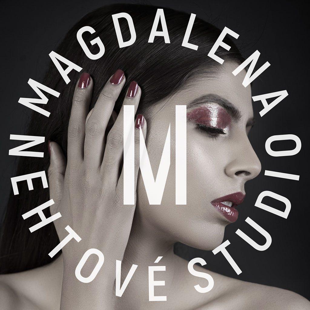 Tvorba loga Nehtové studio Magdalena logo na fotografii